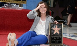 Sally Field recibe su estrella en el Hollywood Boulevard