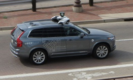 Self-driving Uber mata a una mujer en Arizona