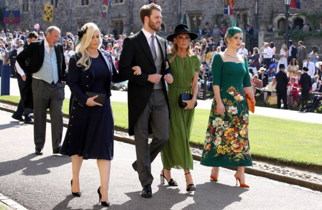 Lady Eliza Spencer, Louis Spencer, Victoria Aitken y lady Kitty Spencer a su llegada a la boda del príncipe Enrique con Meghan Markle, el 19 de mayo de 2018 en Windsor.